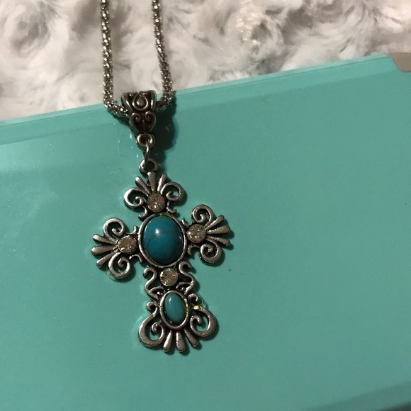 jeep girl glam Jewelry - Silvertone cross necklace